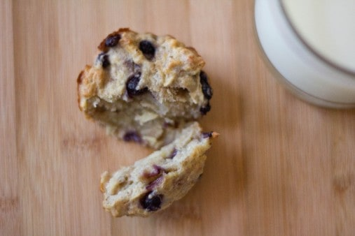 apple banana and blueberry muffins