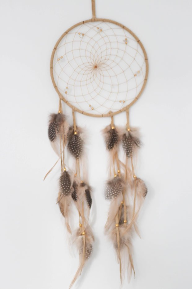 dream-catcher-in-all-white-nursery