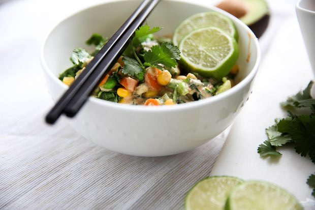 Kale and Edamame Rice Bowl with Spicy Peanut Sauce ...
