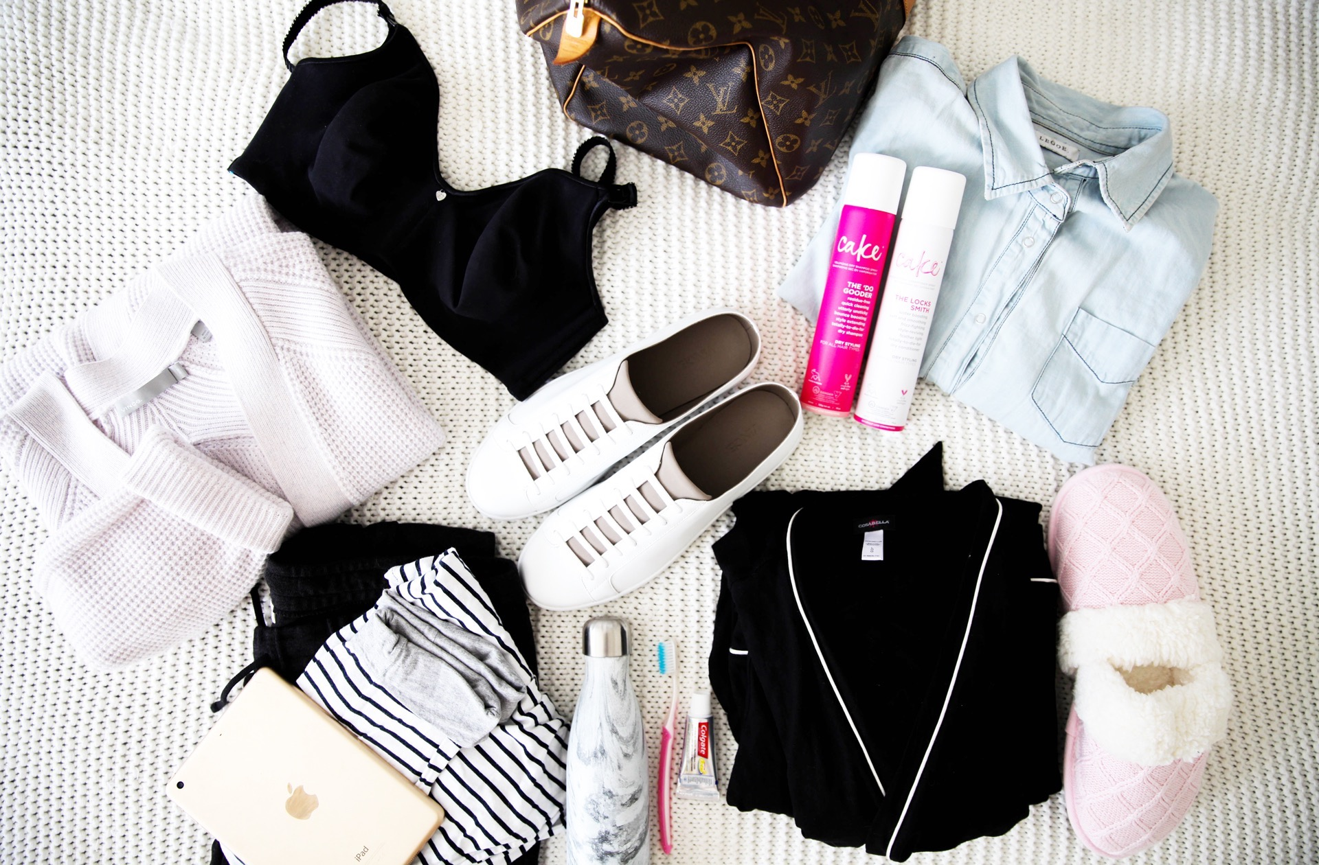 whats-in-my-maternity-bag