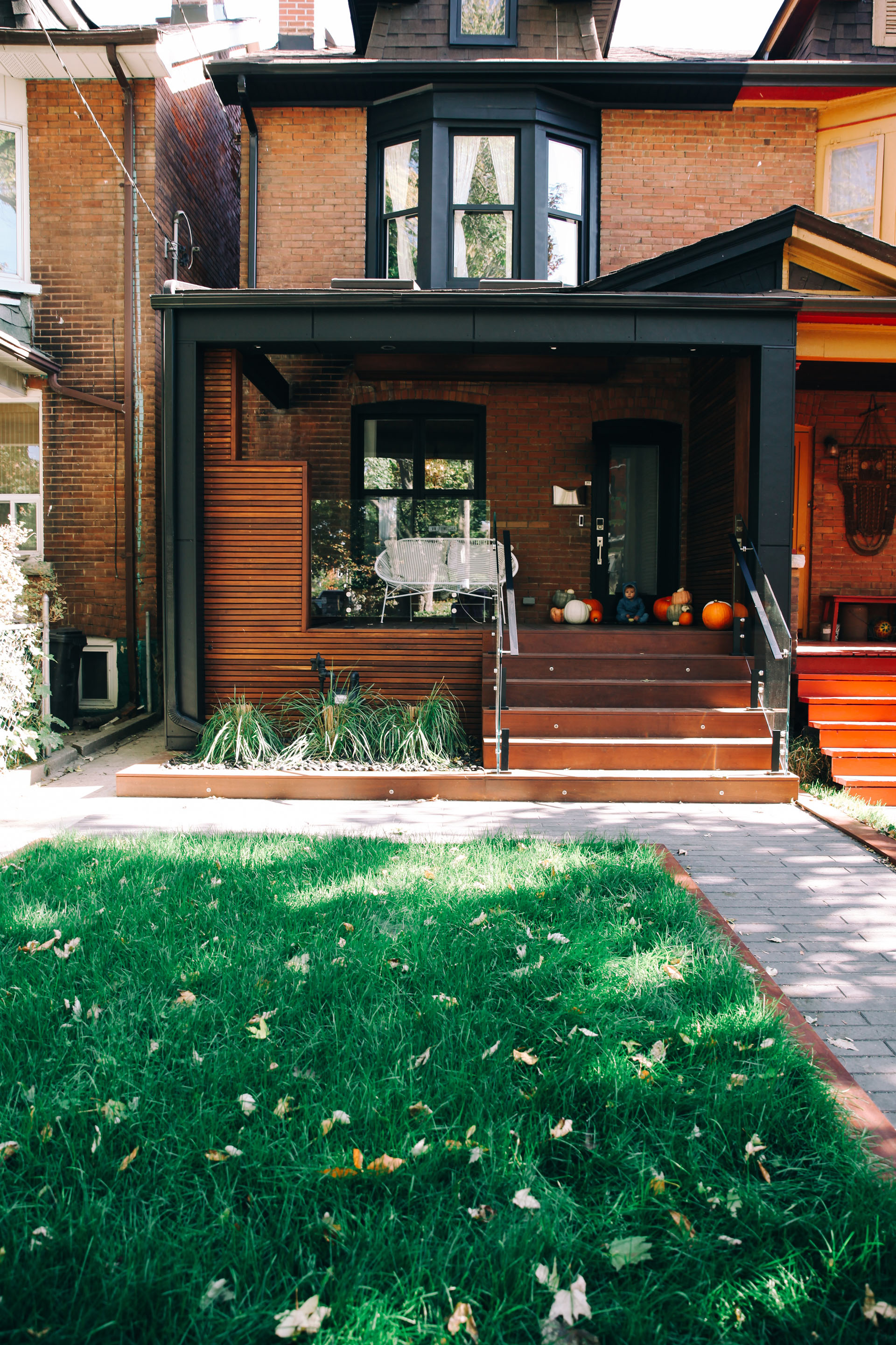 Our modern toronto porch reveal bluebirdkisses for Modern portico designs